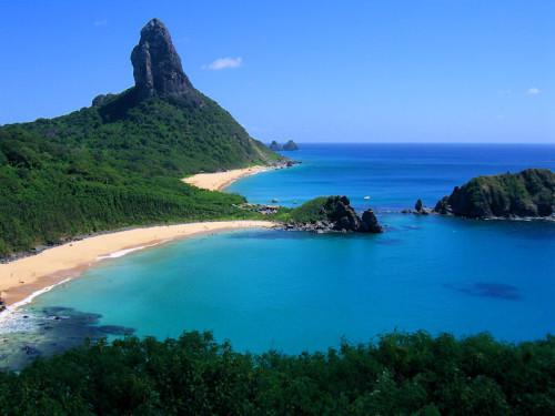 https://de.wikipedia.org/wiki/Datei:Fernando_de_Noronha_-_Pernambuco_-_Brasil%285%29.jpg